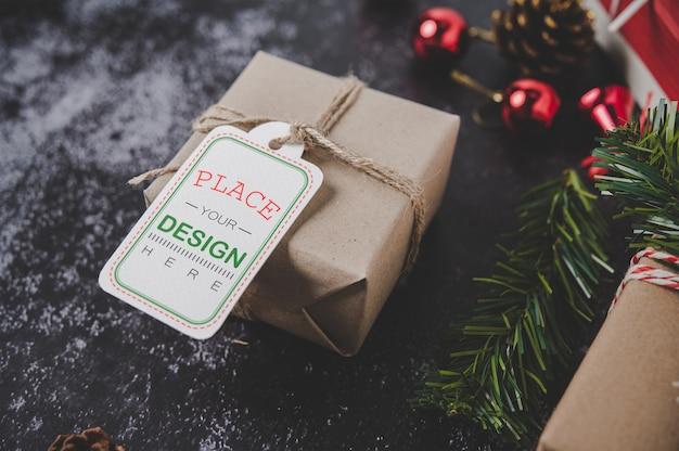 Рождественский подарок тег на подарочной коробке Бесплатные Psd