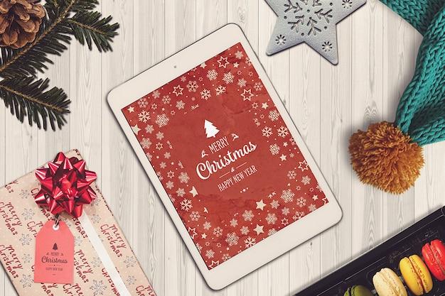 크리스마스 태블릿 이랑 프리미엄 PSD 파일