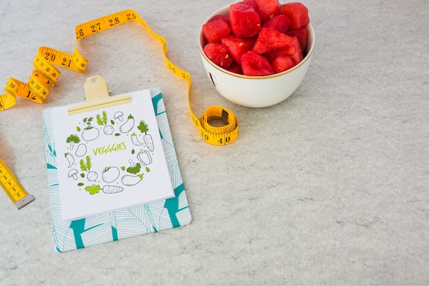 Clipboard mockup with healthy food concept Free Psd