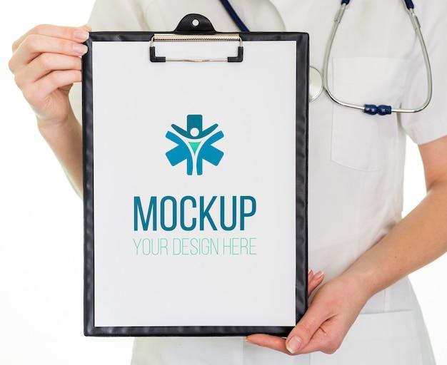 医療結果を含むクリップボード 無料 Psd