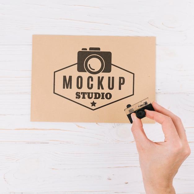 Close-up hand mockup studio Free Psd