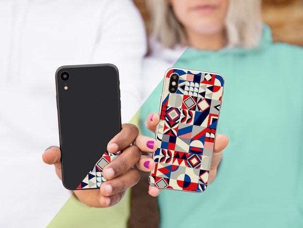 Close-up models showing phone Free Psd