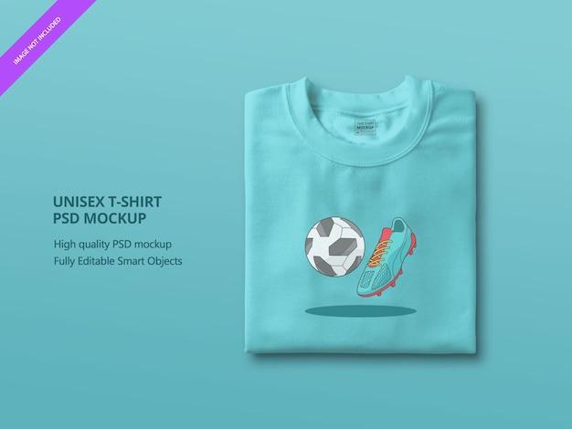 青い折り畳まれたtシャツのモックアップのクローズアップ Premium Psd