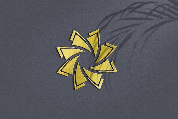 황금 로고 모형 디자인에 가까이 프리미엄 PSD 파일
