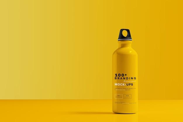 Крупным планом на упаковке макета алюминиевой бутылки с водой Premium Psd