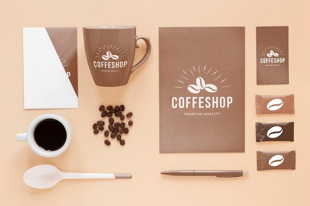 コーヒーブランディングアイテムの上面図 Premium Psd