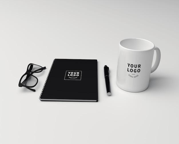 ブロックノートモックアップ付きコーヒーマグ Premium Psd