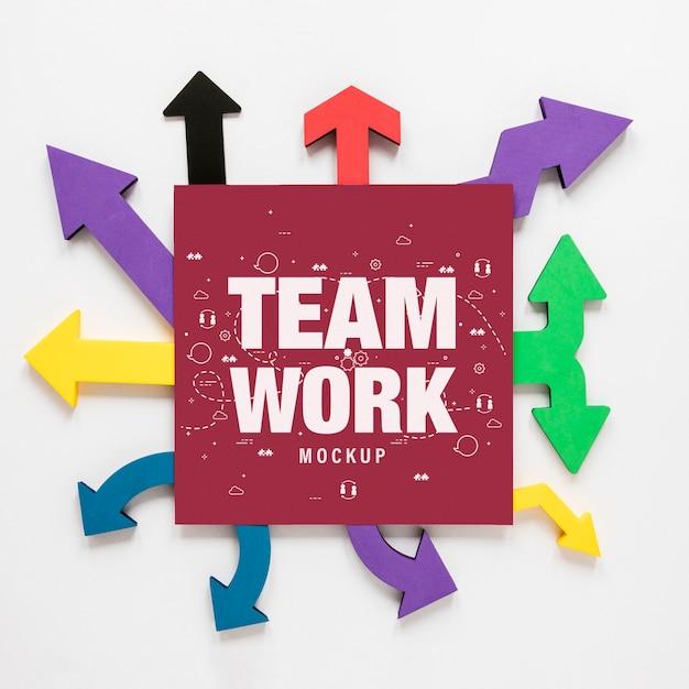 Colourful arrows with teamwork card Free Psd