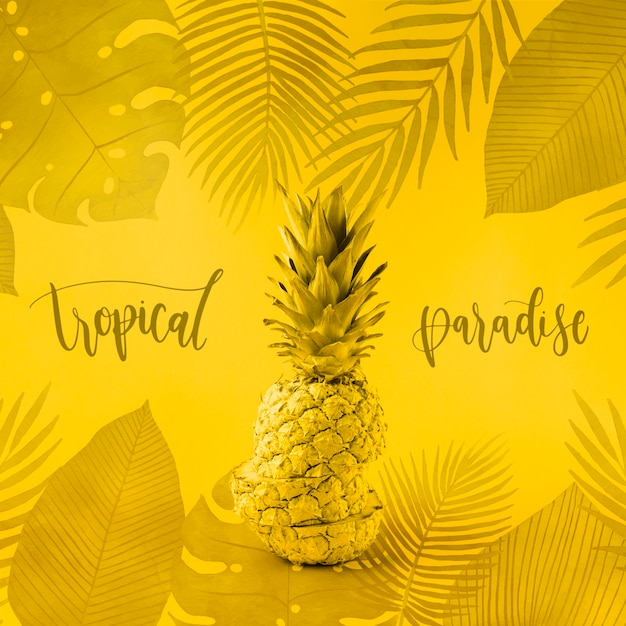 パイナップルとの黄色copyspaceモックアップ 無料 Psd