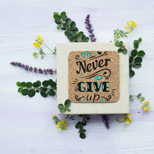 Cork plate mockup with floral decoration Free Psd