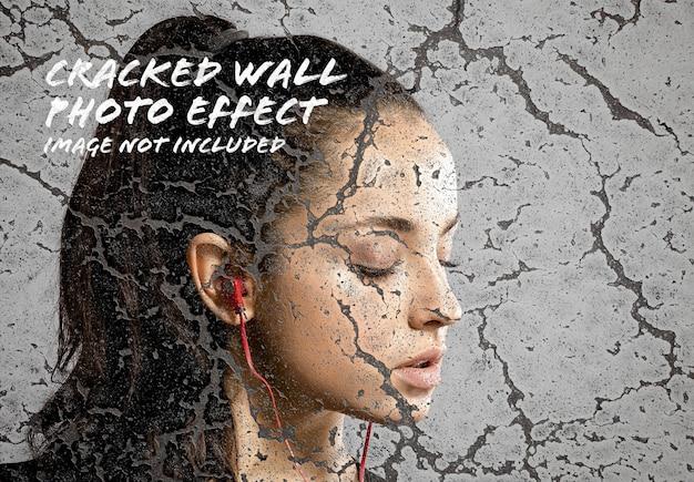 Cracked wall photo effect mockup Premium Psd