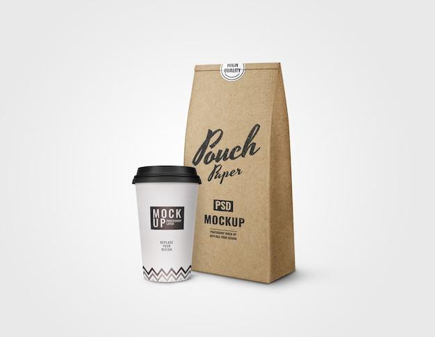 커피 모형의 컵과 주머니 프리미엄 PSD 파일