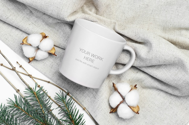 Cup mockup with cotton Premium Psd