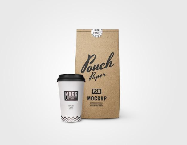 커피와 파우치 빵집 이랑 현실의 컵 프리미엄 PSD 파일