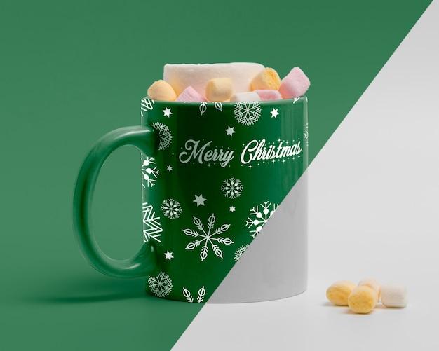 Decorated christmas mug mockup Premium Psd