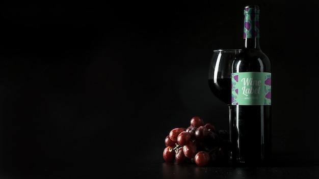 Decorative wine mockup with copyspace on left Free Psd