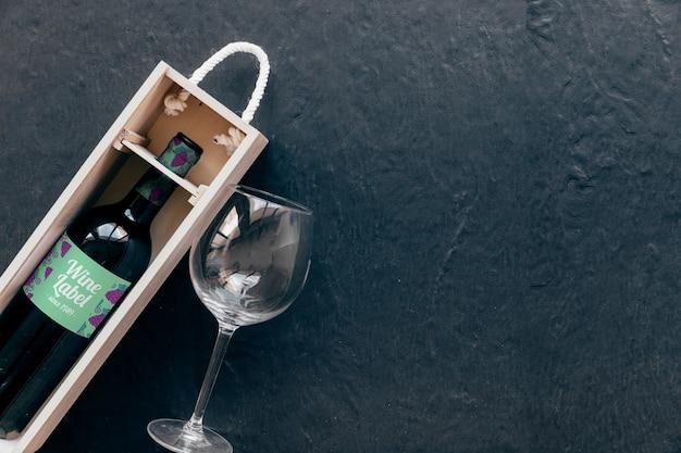 Декоративный винный макет с copyspace справа Бесплатные Psd