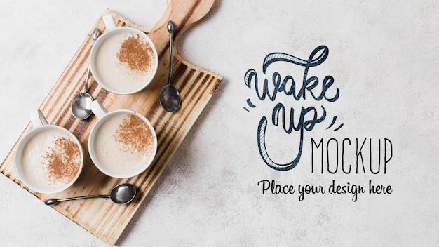 まな板のモックアップに牛乳とおいしいコーヒー 無料 Psd