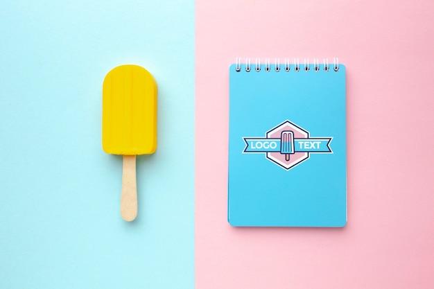 Макет концепции вкусного мороженого Бесплатные Psd