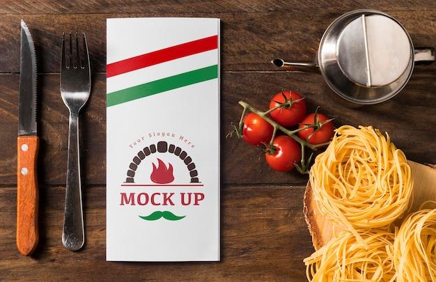 모형과 함께 맛있는 이탈리아 파스타 무료 PSD 파일