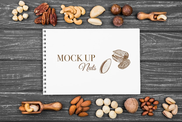 Delicious nuts concept mock-up Premium Psd