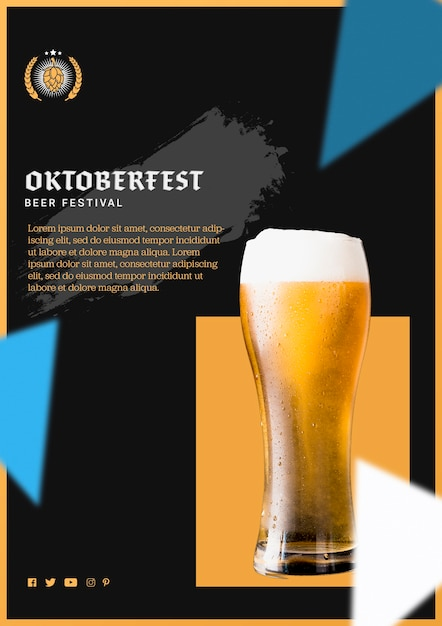 Delicious oktoberfest beer glass with foam Free Psd