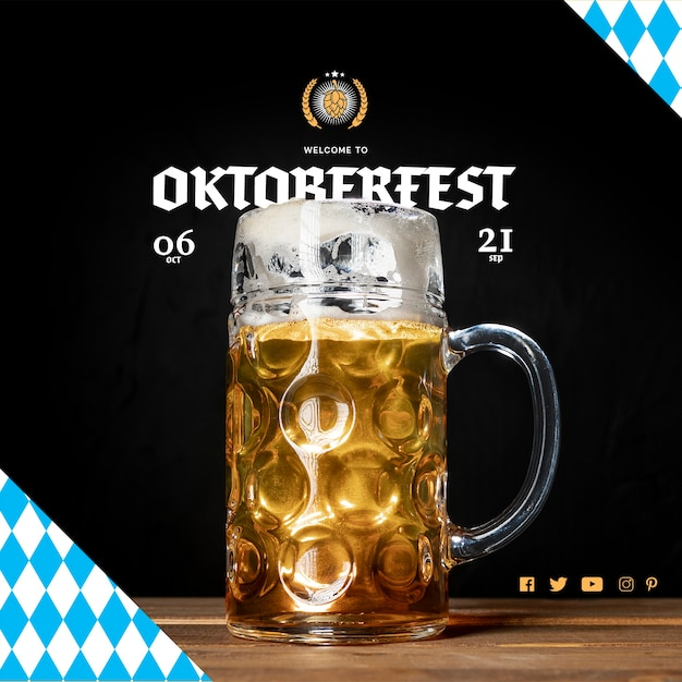 Delicious oktoberfest beer mug on a table Free Psd