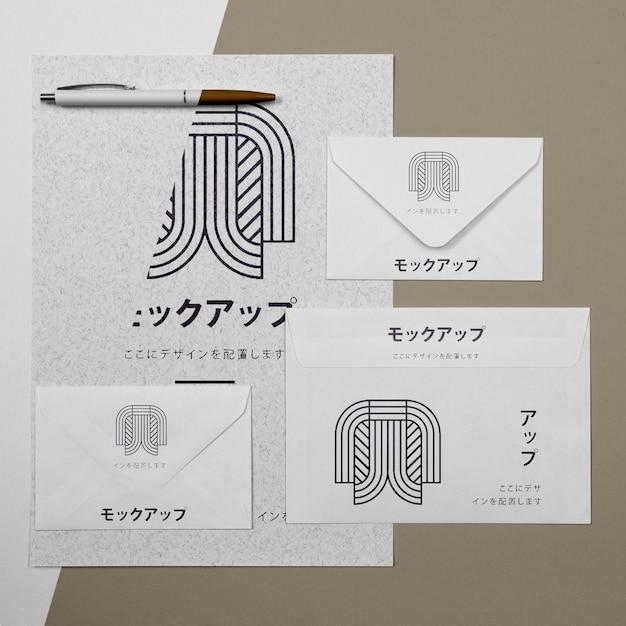 문서 및 봉투 아시아 모형 프리미엄 PSD 파일