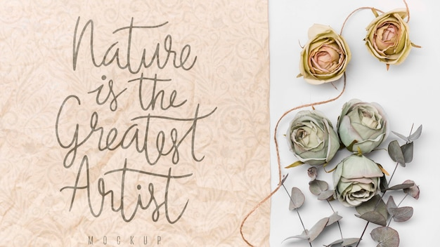 Dried flowers next to message mockup Free Psd