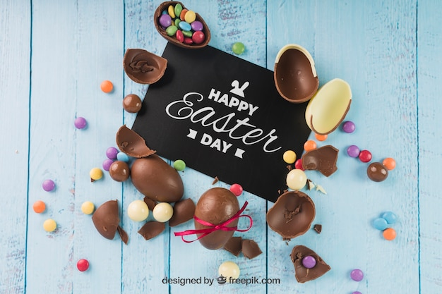 Easter mockup with broken chocolate eggs Free Psd
