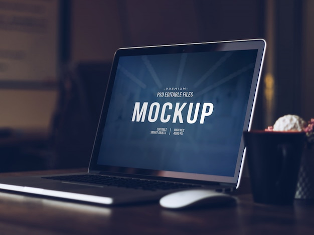 Editable computer screen mock up, isolated cut out modern laptop with shadow mockup Premium Psd