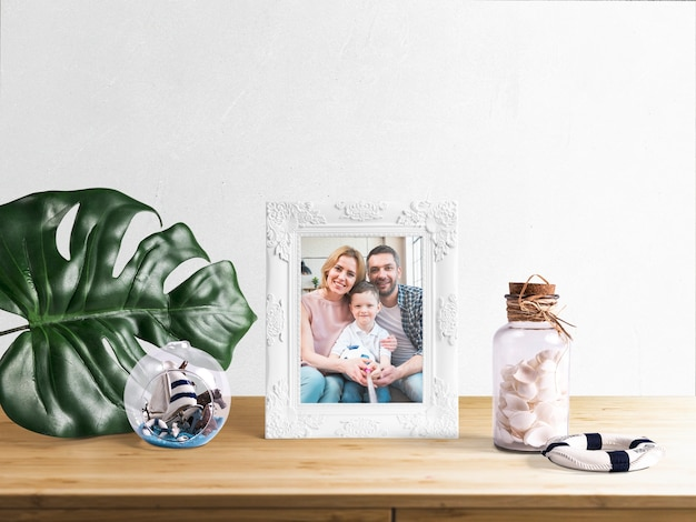 Editable frame mockup with summer elements Free Psd