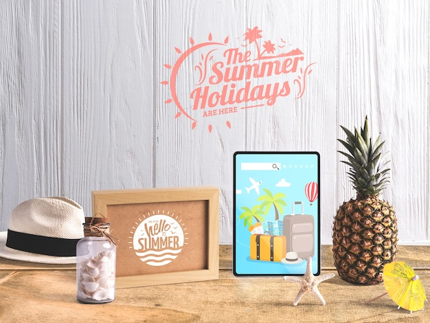 Editable tablet mockup with summer elements Free Psd