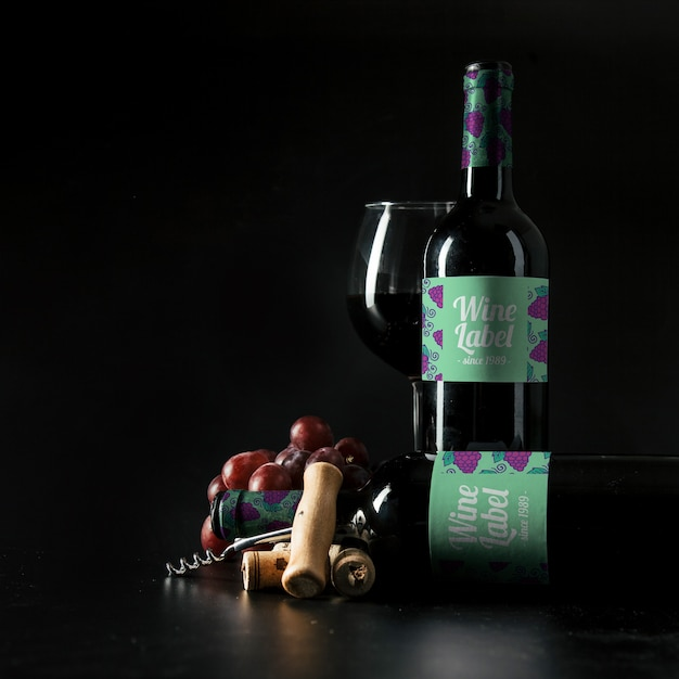 Elegant wine mockup with bottle Free Psd