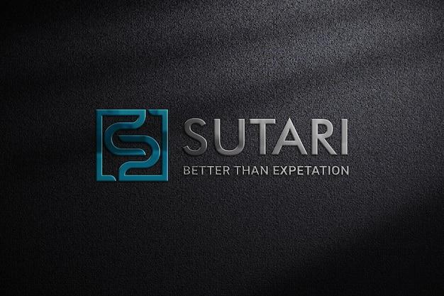어두운 직물에 상징적 인 3d 로고 모형 프리미엄 PSD 파일