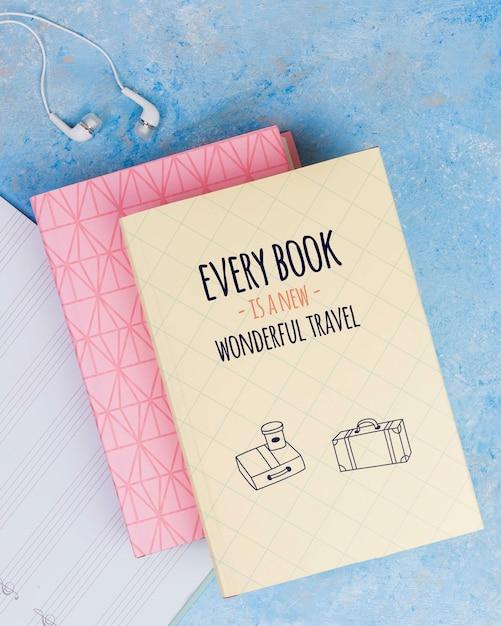 모든 책은 새로운 멋진 여행 견적 개념입니다 무료 PSD 파일