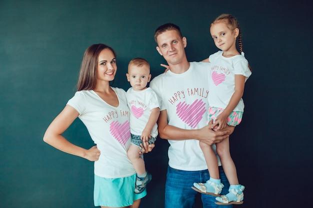 家族のtシャツのモックアップ Premium Psd