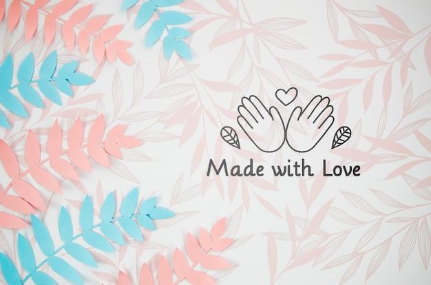 사랑 수제 배경으로 만든 고사리 잎 무료 PSD 파일