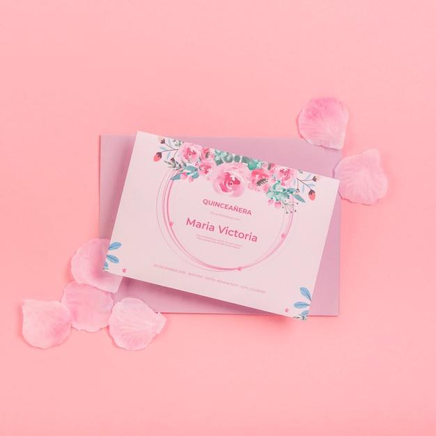 15 생일 초대장 및 꽃잎 평평하다 무료 PSD 파일