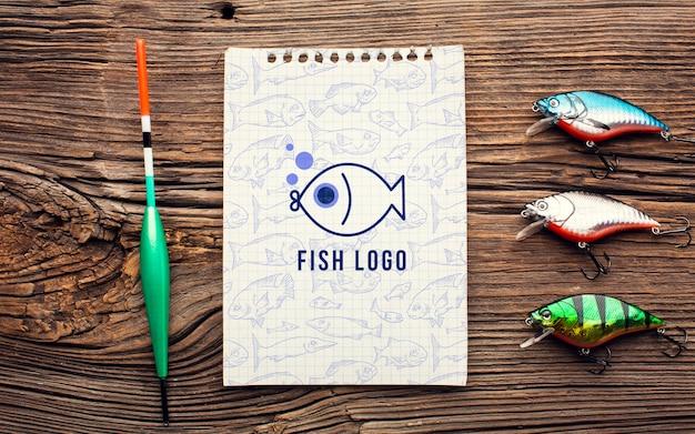 魚の餌とモックアップのメモ帳 無料 Psd