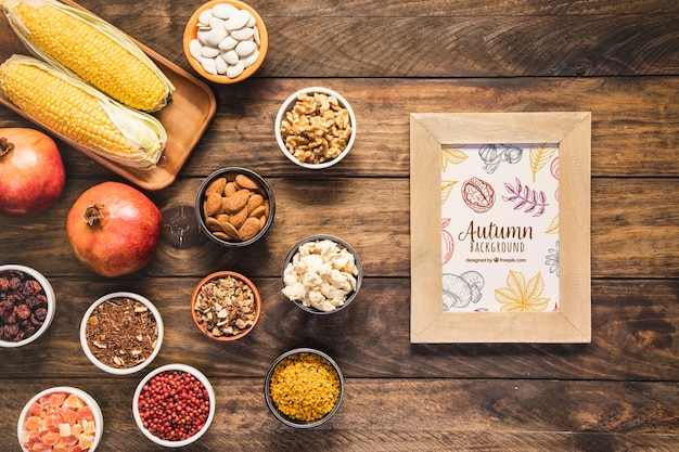 Flat lay arrangement of delicious autumn food Free Psd