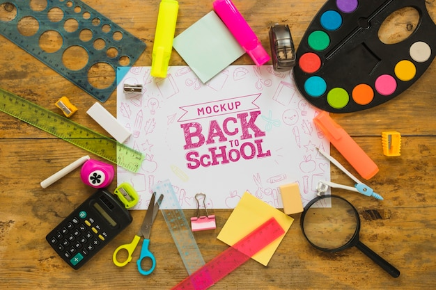 Flat lay back to school mock-up Free Psd