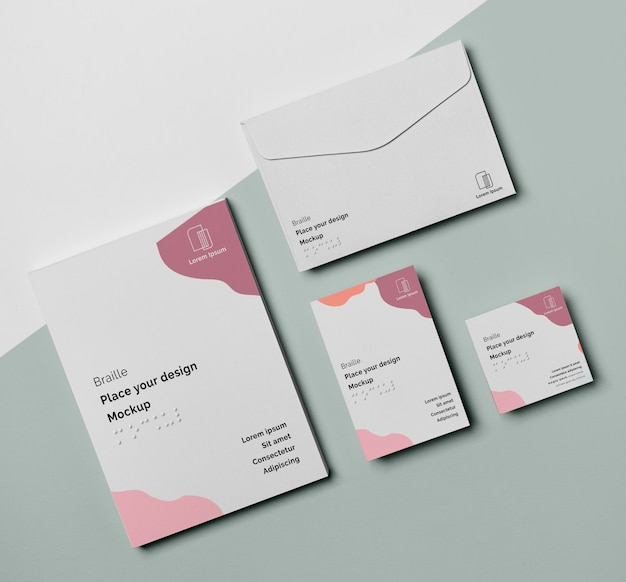 Flat lay of business card with braille and envelope Free Psd