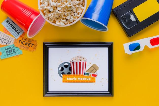 Flat lay cinema concept with popcorn Free Psd