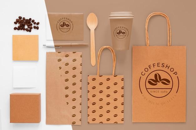 フラットレイコーヒー豆とブランディングアイテム 無料 Psd