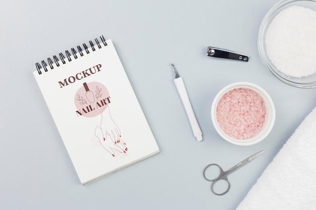 Flat lay notepad and bath saltspa mock-up Free Psd