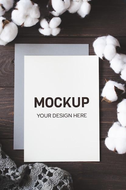 綿の花のモックアップカードにフラットレイアウト Premium Psd
