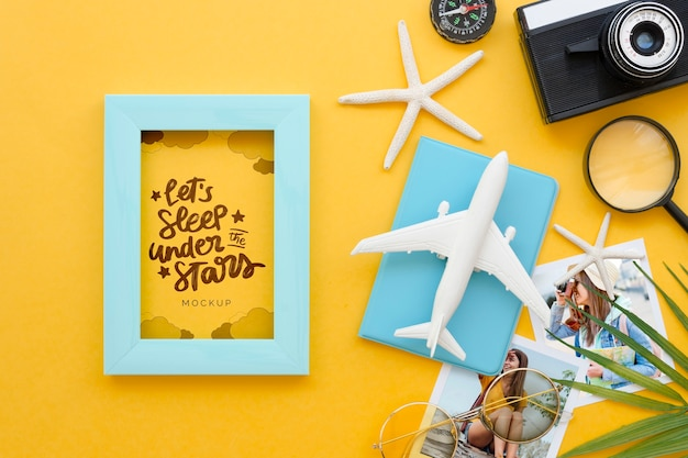 Flat lay travel concept with camera Free Psd