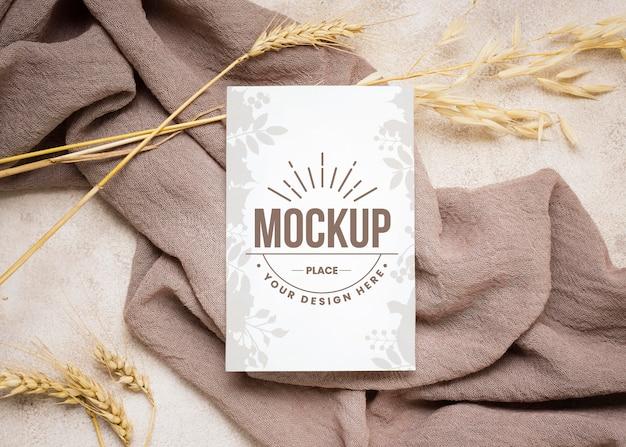Осенний макет flay lay с пшеницей на серой ткани Бесплатные Psd