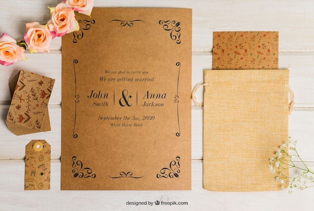 Floral cardboard wedding set Free Psd
